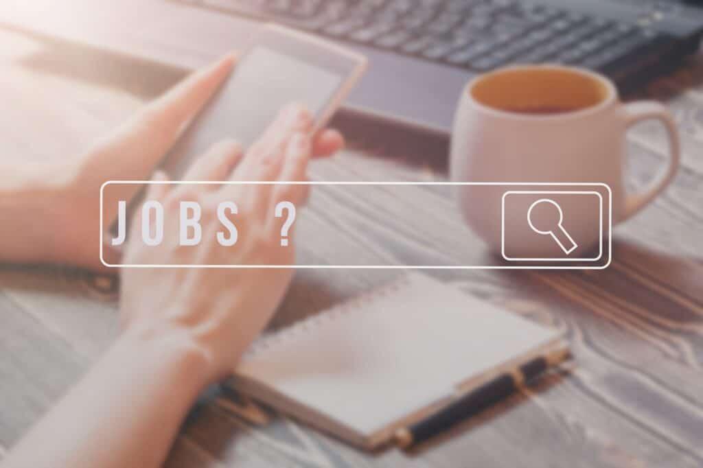 Jobsøgning igang efter opsigelse